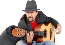 """Marcos Luc: """"La ciudad es mi hábitat y la canción es mi lenguaje"""""""