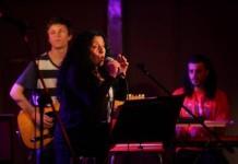 Pelu Mercó en concierto