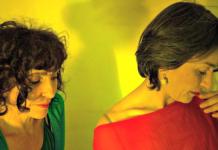 Jenny Náger y Paola Bernal en escena